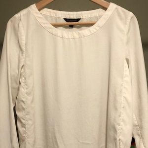 Off-white Banana Republic women's blouse